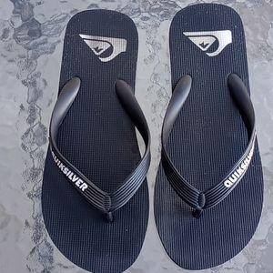 Quicksilver Women's Black and White Flip Flops